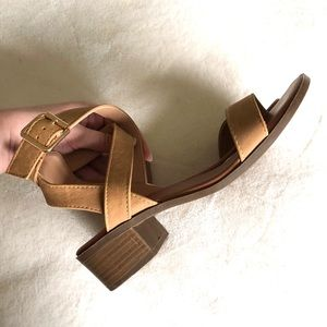 Top Moda Tan Strappy Low Heel Sandals Size 6.5